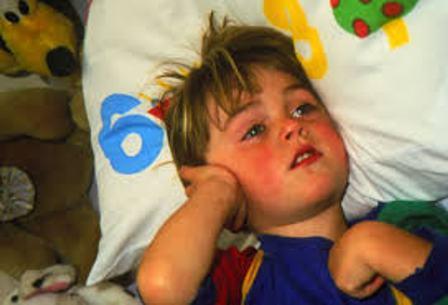 Camphor alcohol for otitis in children