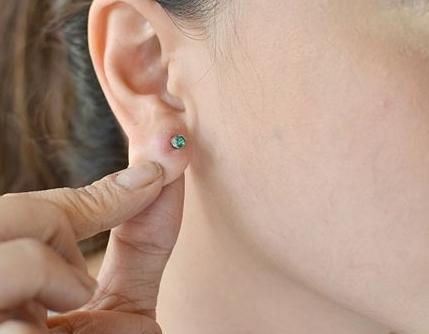 значительные прокалывание ушей в твери круглосуточно мебель