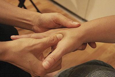 Боли в спине при беременности и выделения