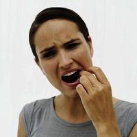 Болит язык: возможные причины