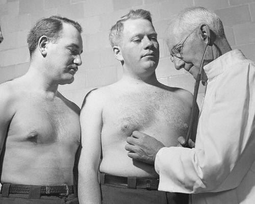 Болит спина после пылесоса