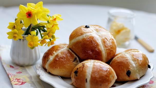 Почему Пасха празднуется в разное время? Когда празднуется Пасха - как вычисляется день?