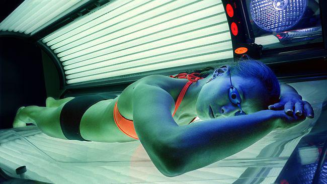 to go to the solarium every day