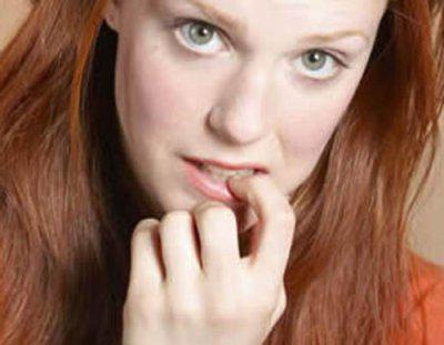 Темно-коричневые выделения у женщин перед или во время месячных - что делать? В чем причина темно-коричневых выделений?