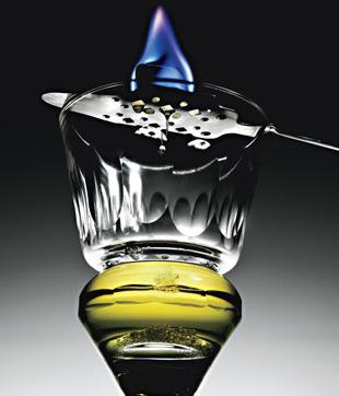 how to drink absinthe with sugar