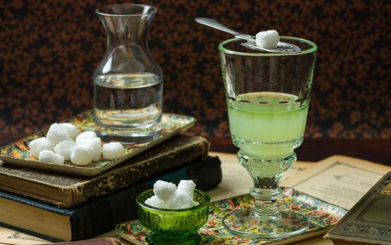 how to drink green absinthe