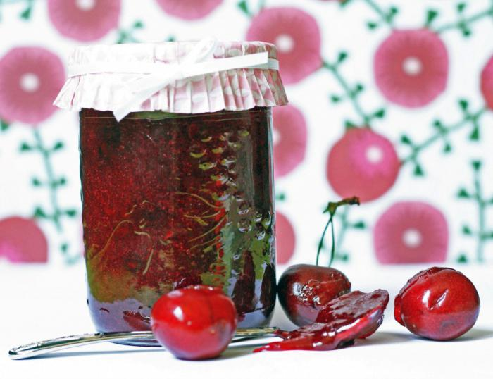 Как приготовить вишневое варенье с косточками пятиминутка