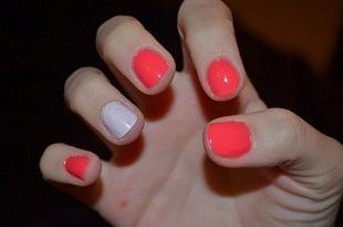 why paint your nails in different colors