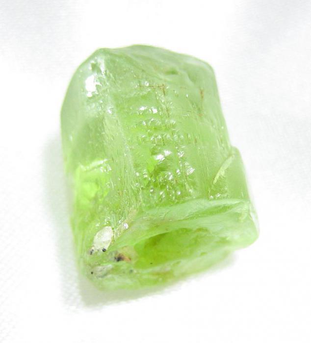 322Как называется зеленый камень