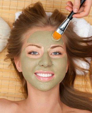cream narrowing pores on face