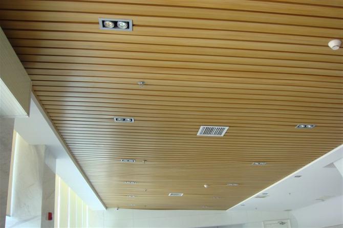 Пластиковые панели на деревянный потолок своими руками видео