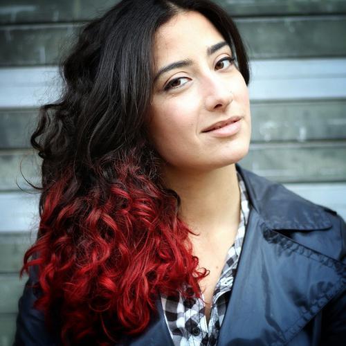 Если закрасить красный цвет волос черным