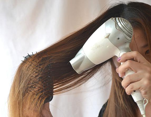 как выпрямить волосы без выпрямителя быстро