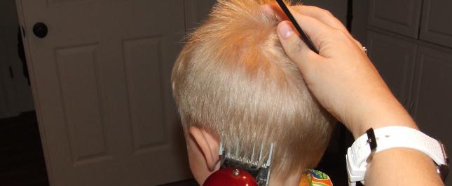 Как самой подстричь мальчика машинкой