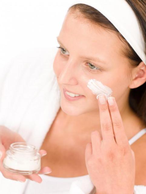 Как подтянуть кожу лица в домашних