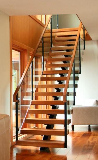 построить лестницу на второй этаж