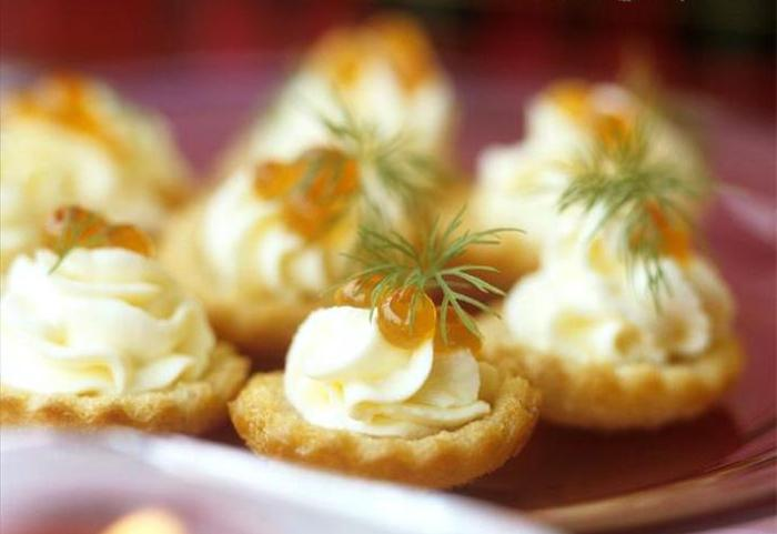 tartlets with cheese and caviar