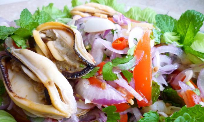 Салат с мяса мидии