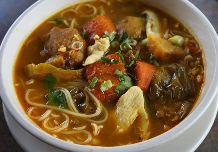 Noodle soup in a slow cooker