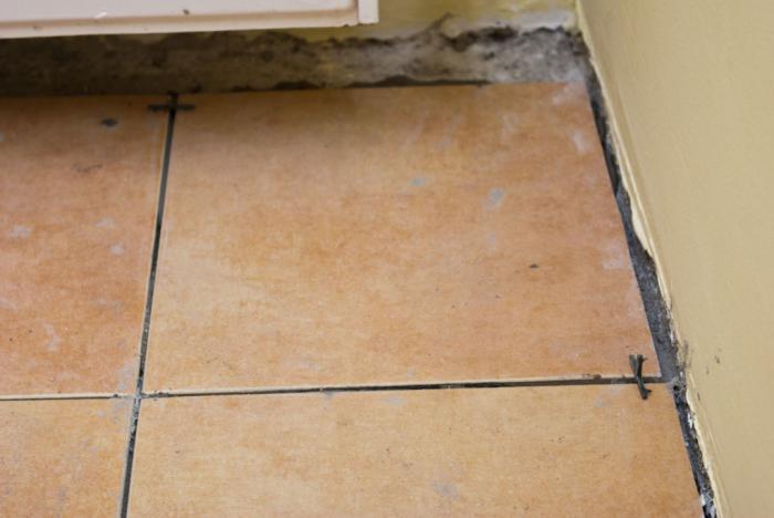 Укладка плитки на пол своими руками на деревянный пол фото 549