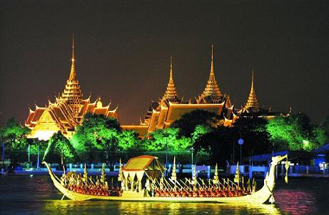 when to fly to thailand