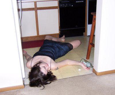 Алкогольное отравление: симптомы и лечение