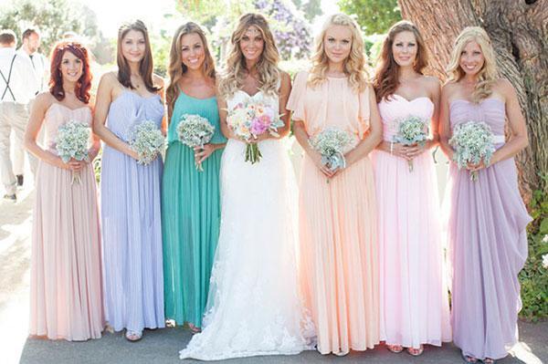 Платья подружек невесты в одном стиле