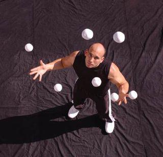 how to learn to juggle 4 balls