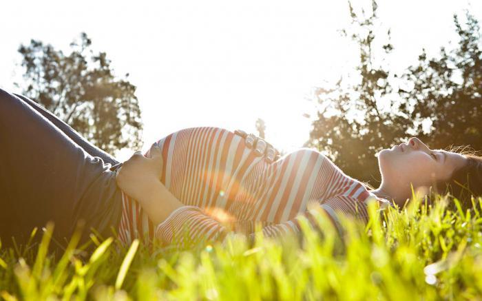 Беременность и месячные: насколько это реально?