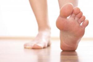 лечение связок ноги народными средствами