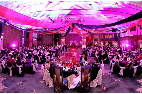 игра знакомства гостей на свадьбе за столом