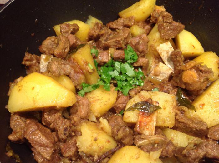 Баранина с картошкой в мультиварке