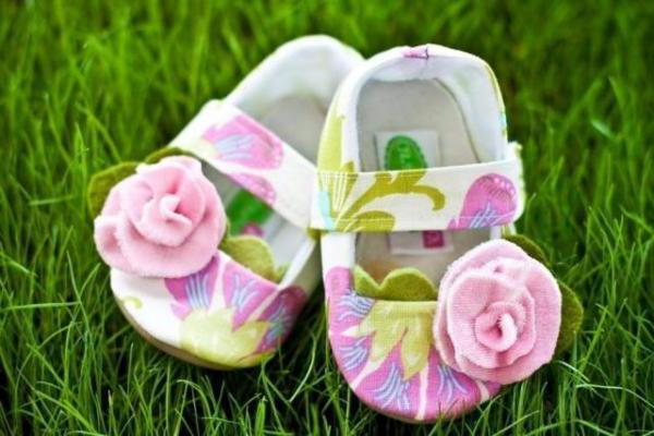 Что подарить новорожденной внучке от бабушки