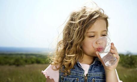 Сколько воды нужно пить в день человеку? Сколько воды нужно пить, чтобы похудеть?