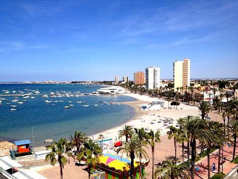 spain resorts to the sea
