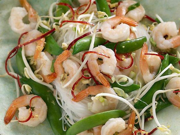 Salad with funchoza and shrimps