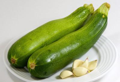 how to fry zucchini with garlic