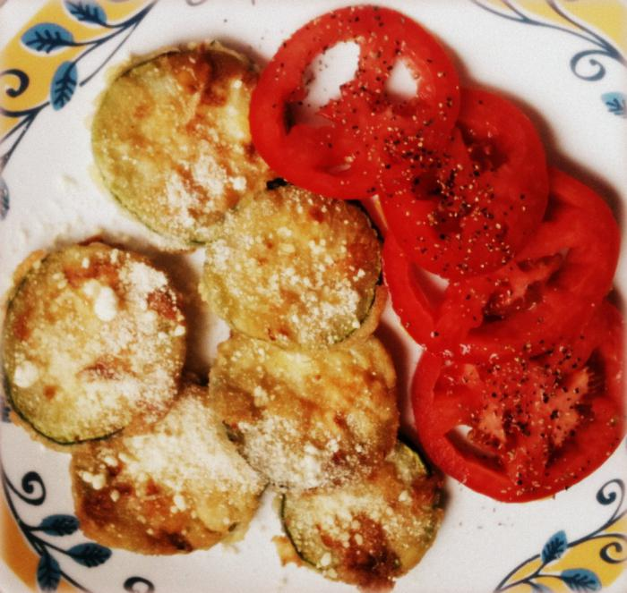 zucchini with tomatoes and garlic