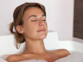 pregnant women can take a hot bath