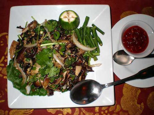 wood mushroom salad