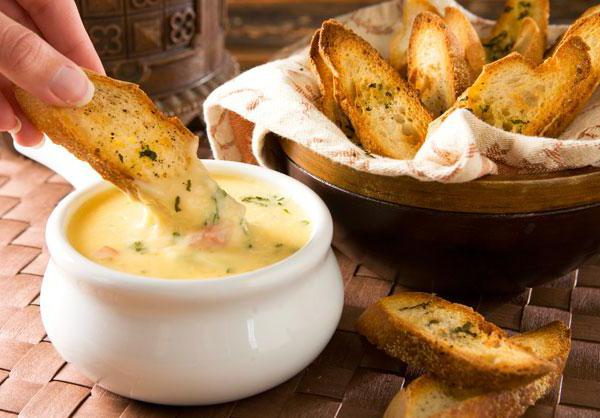Рецепт сырного фондю в домашних условиях без вина