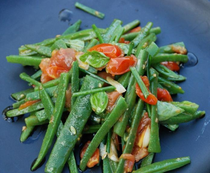 green beans salad tomatoes