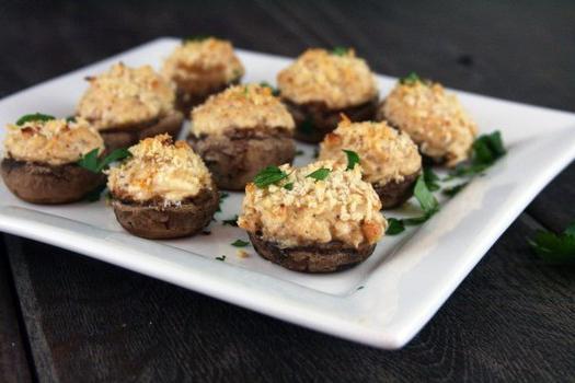 Состав фунчоза, грибы шампиньоны жареные, чеснок свежийсоус соевый, перец красный молотый, кориандр молотый