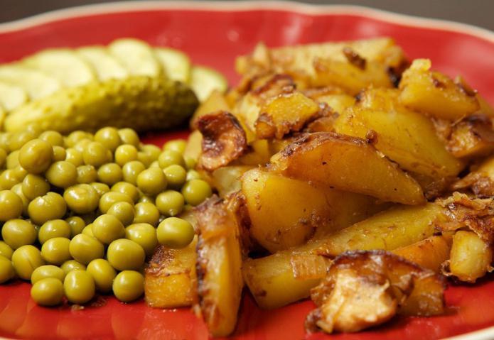 Картошка с грибами жареные рецепт с пошагово в