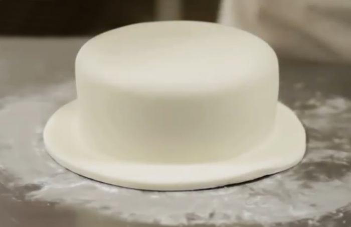 Торт, обтянутый мастикой