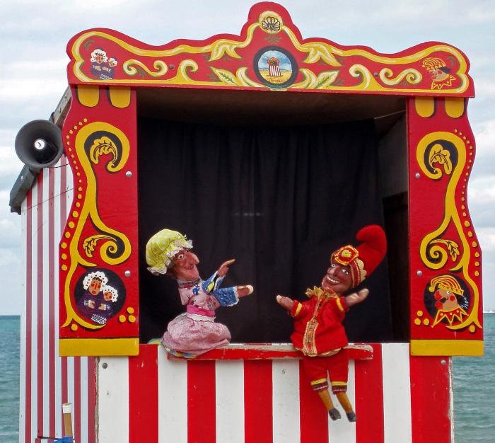 Как сделать ширму для кукольный театр своими