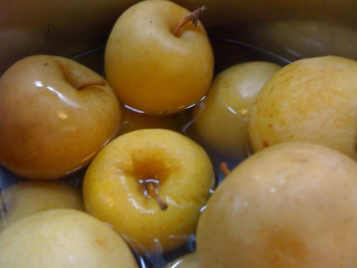 мочёные яблоки в капусте рецепт приготовления
