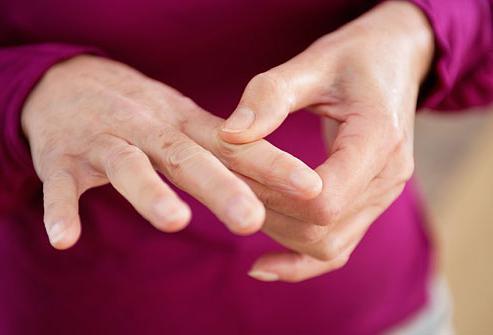 суставы рук и ног болят