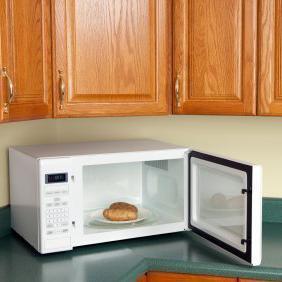 Сколько запекать картошку в микроволновке