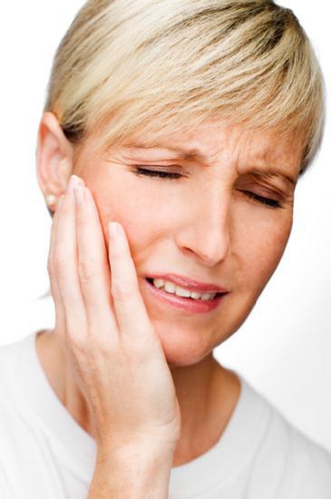 facial nerve damage symptoms